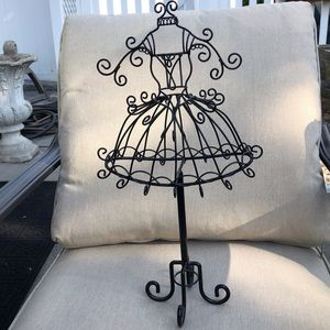 NWOT Dress Form Jewelry Stand